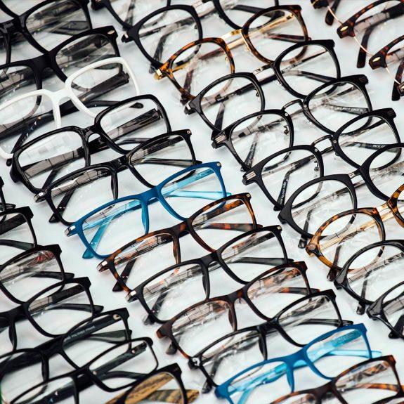 Brillen aus recyceltem Kunststoff
